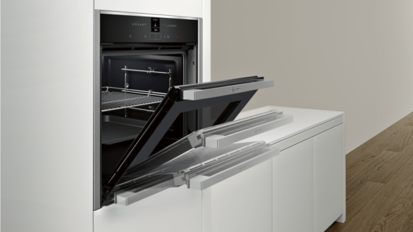 Neff N70 Built-In Electric Single Oven – Stainless Steel | B57CR22N0B