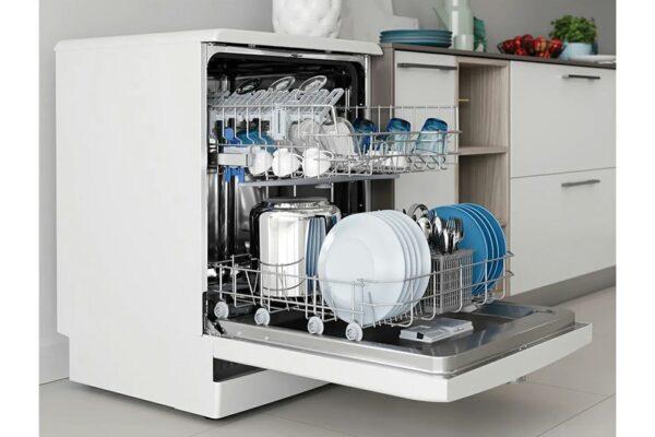 Indesit Freestanding Dishwasher Inox - DFE1B19X